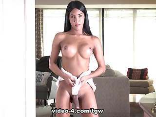 Nicky's Hot Cock Play For You - Frans-TGirlWorld