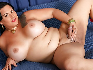 Melanie's Mouthwatering Treat - TGirlBBW